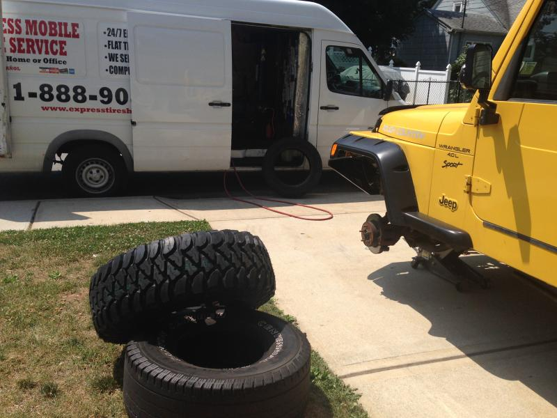 Mobile Tire Service >> Express Mobile Tire Roadside Assistance Home